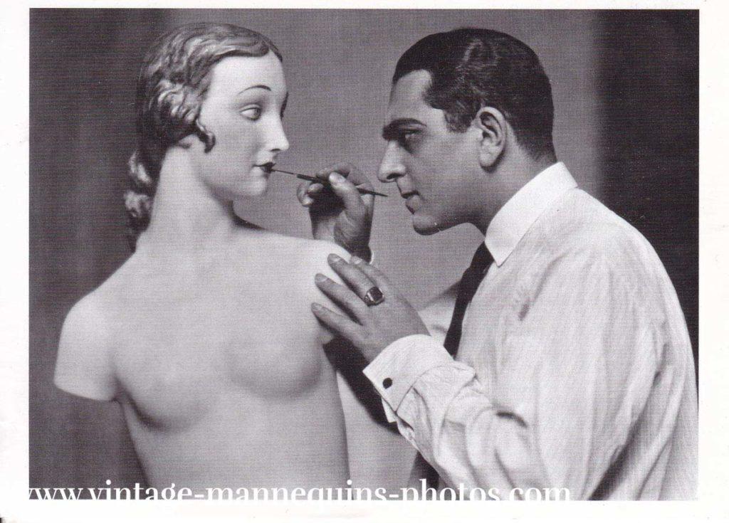 Karl Schenker mit einer seiner Wachsfiguren 1925 Ulstein bild collection 2016
